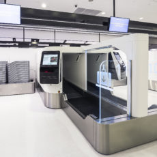 Qantas passengers use facial recognition technology in landmark Sydney Airport trial